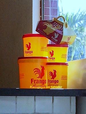Frango Americano: Baldes de Frango