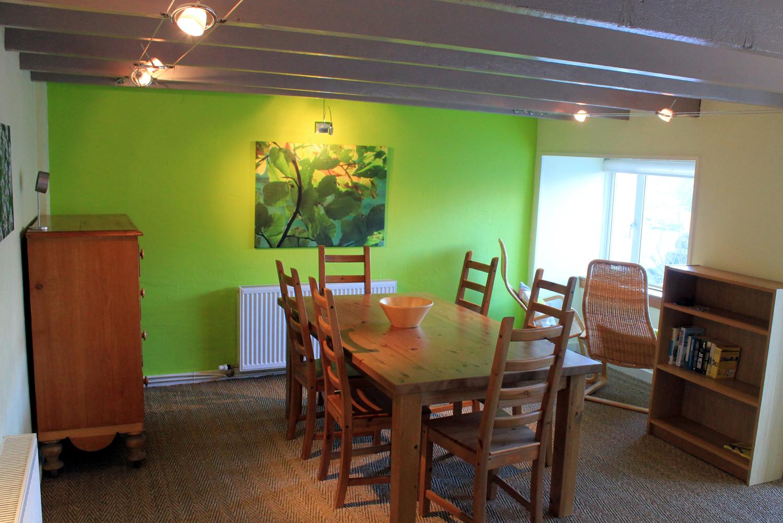 http://4.bp.blogspot.com/--u-FMEr30LI/USYKbqSgp1I/AAAAAAAABKw/9gRXakQuLAk/s1600/arivonie+dining.jpg