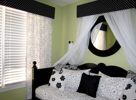 Black And White Bedroom Decorating Ideas | Kitchen Layout and