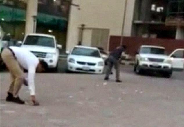 Trafik sesak akibat hujan wang kertas di Dubai