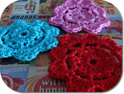 Free crochet pattern: crochet flower