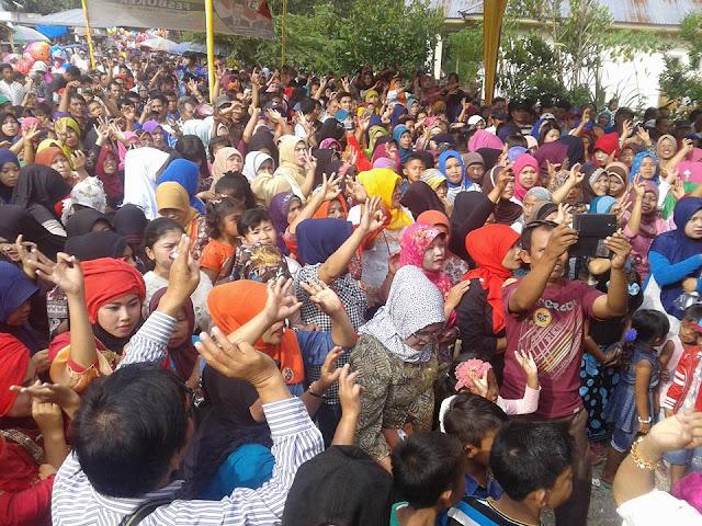 Membludak, Kampanye Fesbuker di Basis AJB Tanah Kampung