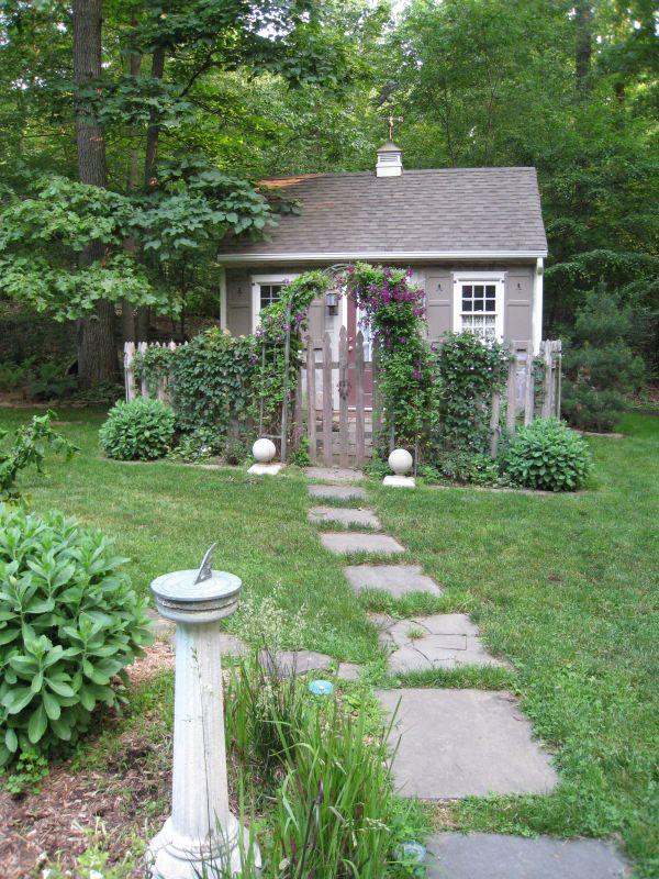 C 39 era una volta un glicine garden shed casette in for Case in stile cottage