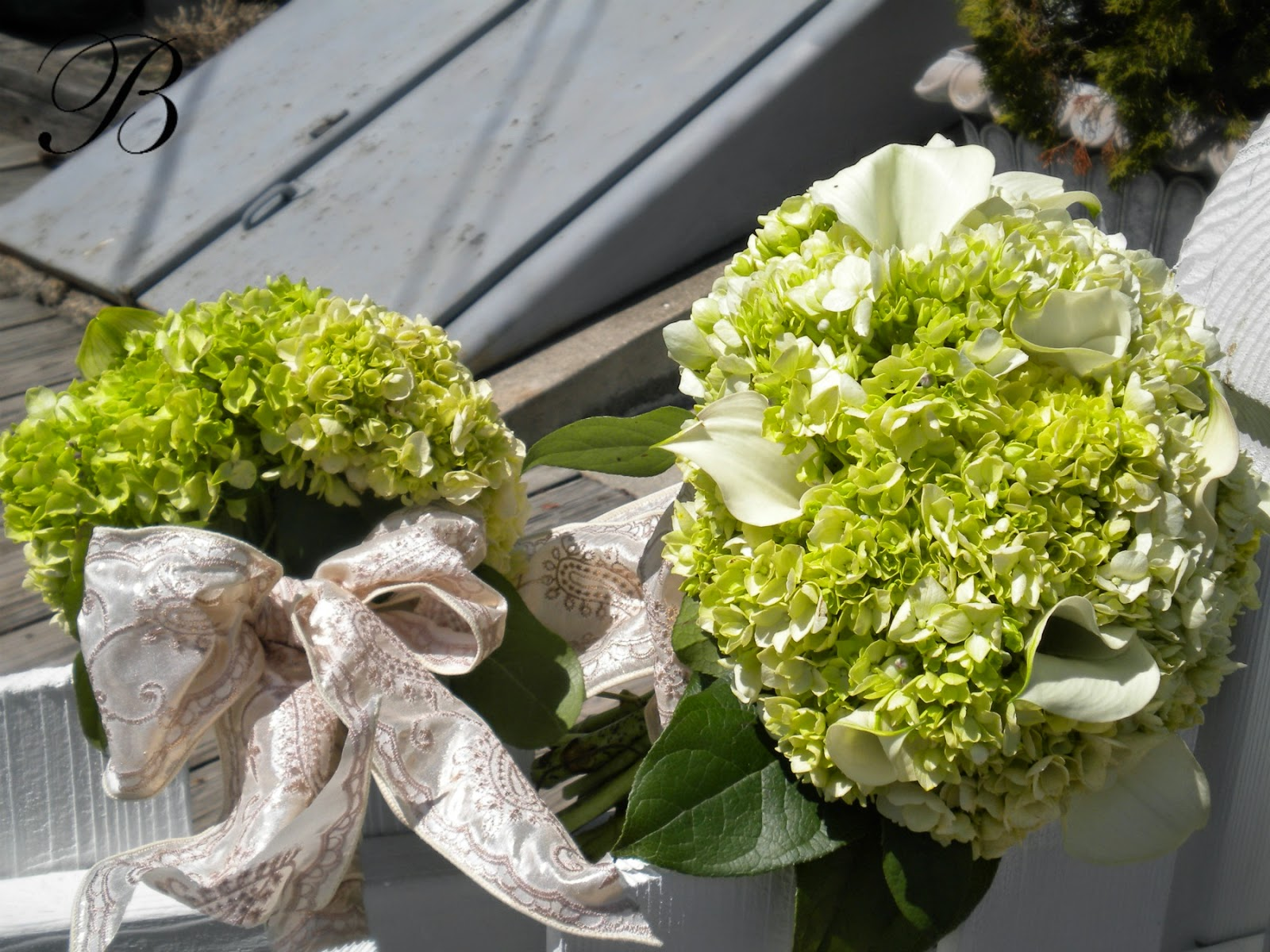 Bank Of Flowers Green White The Wedding Trend At Pewaukee