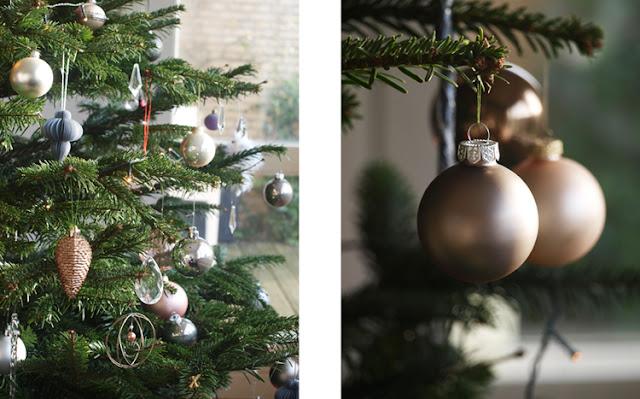 Enkel stil med julekugler