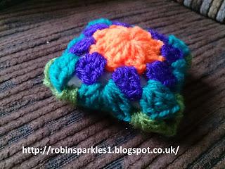 DIY crochet how to make pin cushion granny square pillow