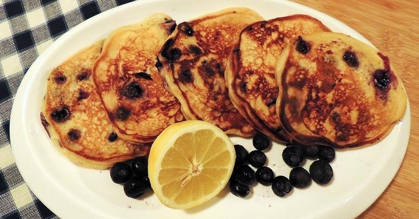 Blueberry Pancakes with Greek Yogurt and Lemon | Bobbi's ...