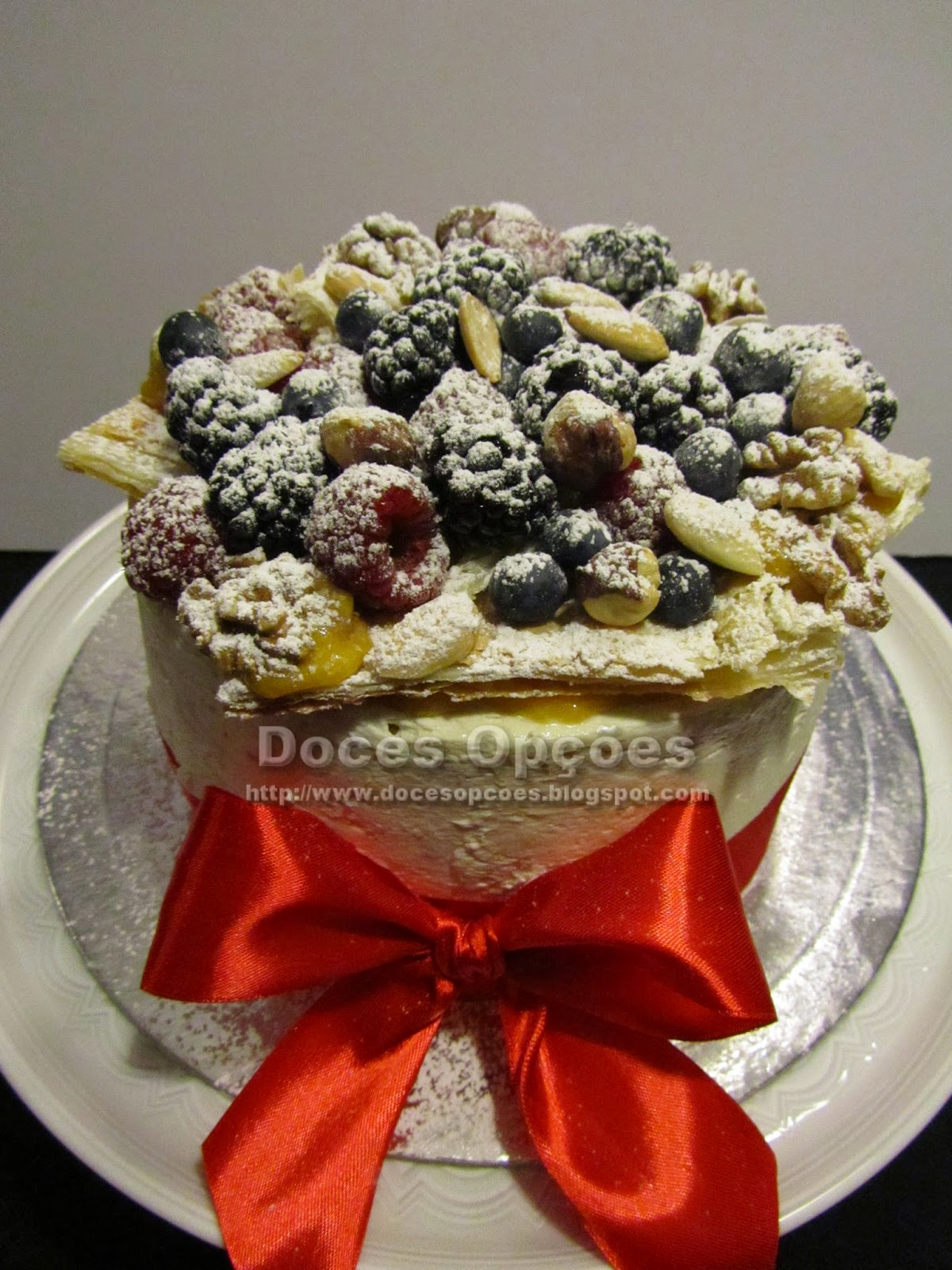 naked aniversary cake