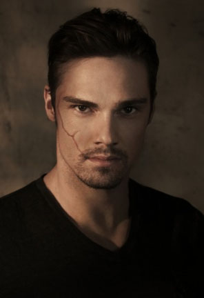 Beauty and the Beast - Season 1 - Jay Ryan Interview