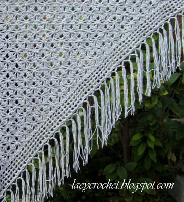 spider-stitch-shawl-design-by-lacy-crochet