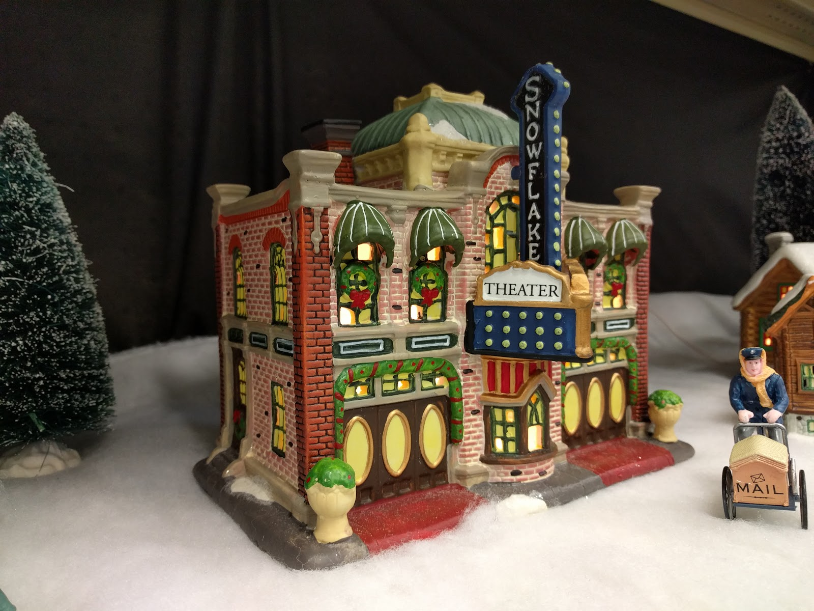 Snowflake Theater - Lemax Christmas Village At Menards