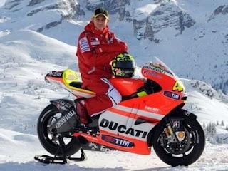 Gadis gadis Seksi Mantan Pacar Valentino Rossi
