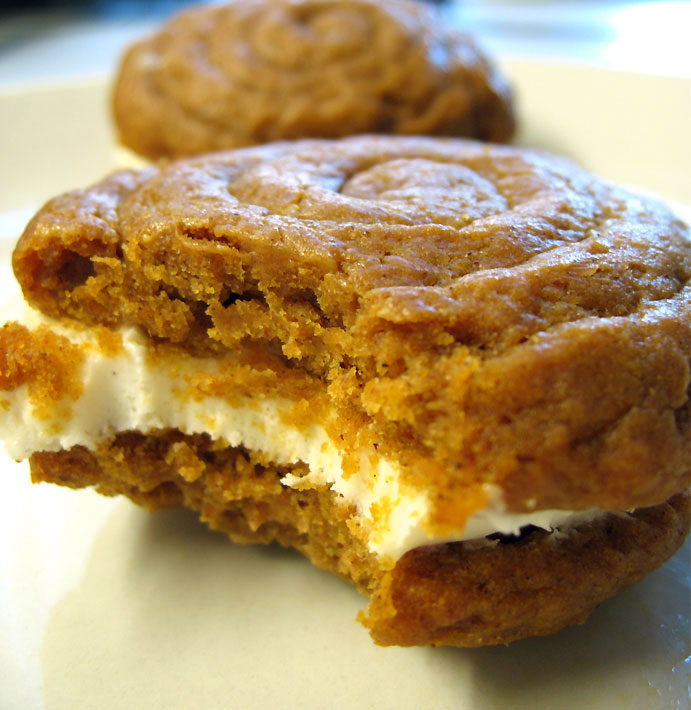 baked til a pi a baked pumpkin donuts with m a ple c in n a mon gl a ...