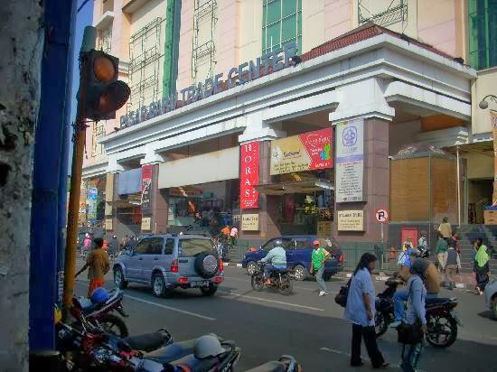 Pasar Baru Bandung Wisata Belanja Pakaian