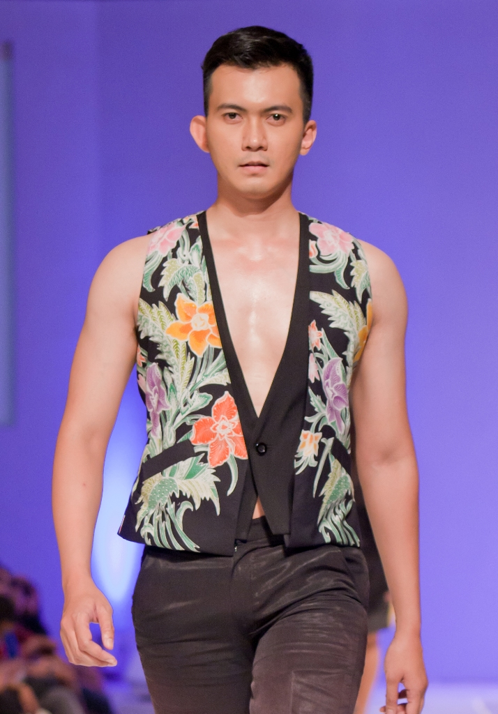 NADI KARMADI  Yogyakarta based fashion designer Statement of