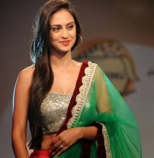 Krystle DSouza Latest HD Wallpapers Unseen Pics