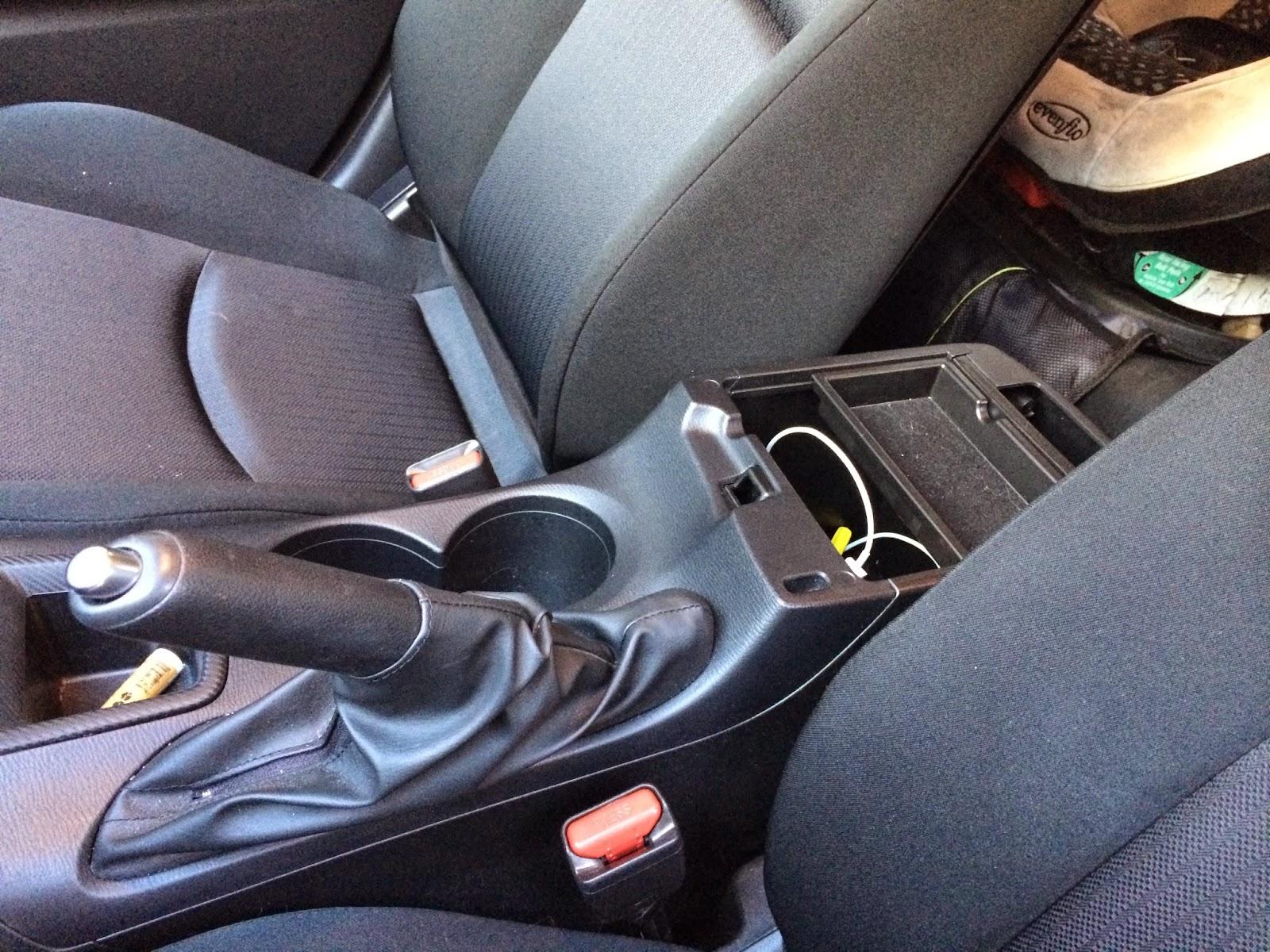 2015 Mazda3 center console