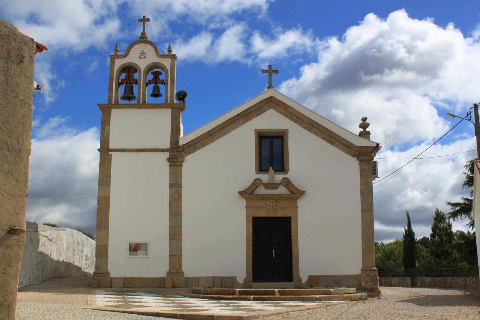 Prés de Guarda - igreja