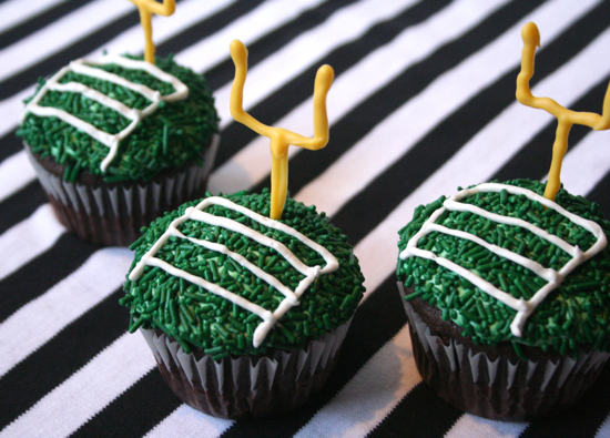 super bowl cupcakes decorating tutorial - Super Bowl Decorations