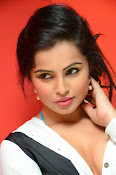 Hashika Dutt latest glam photo shoot-thumbnail-7
