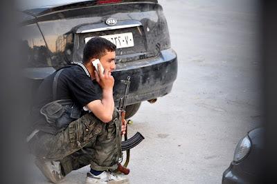 la proxima guerra francia envia ayuda tecnologica rebeldes siria equipamiento no letal