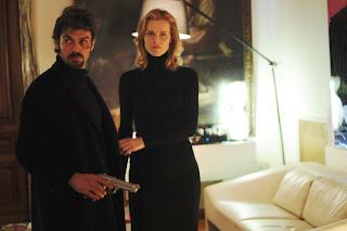 Luca Argentero et Eva Herzigova dans Cha cha cha, film de Marco Risi