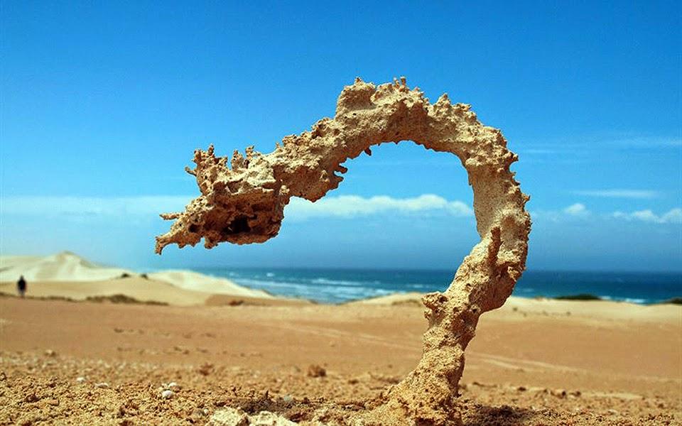 Petir yang Menyambar Pasir
