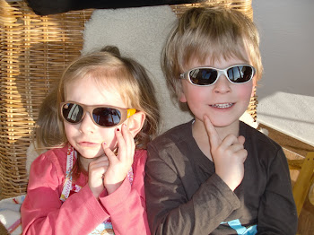 MIA & PAUL, März 2011