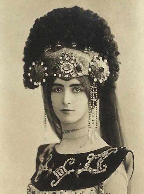 Amantes reales (en general) Cleo+de+Merode-1898