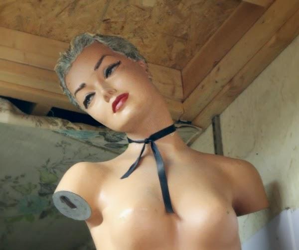 Gorgeous Vintage Mannequin #vintage #mannequin