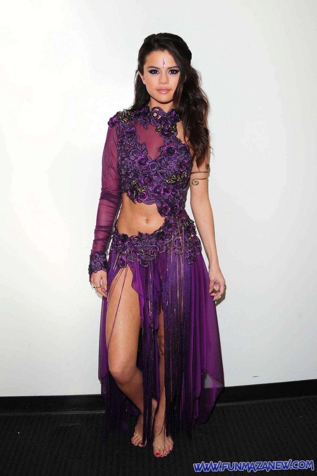 http://4.bp.blogspot.com/--xtNjlU9DmQ/UYpYnk6Yh3I/AAAAAAAAAzc/9R8Dy82RHSk/s1600/Selena-Gomez-9311+www.funmazanew.com.jpg