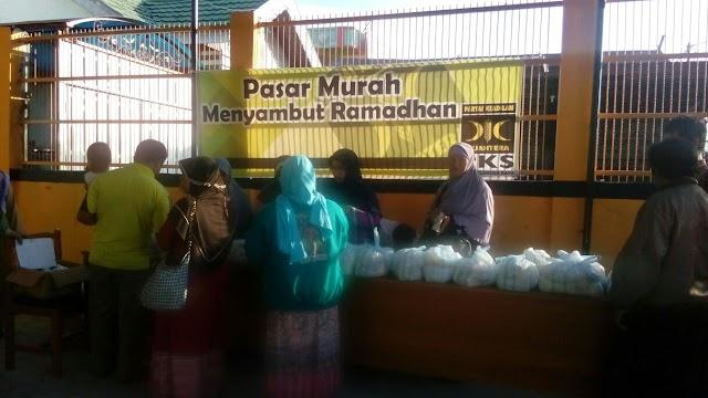 DPD PKS Palangka Raya Adakan Pasar Murah