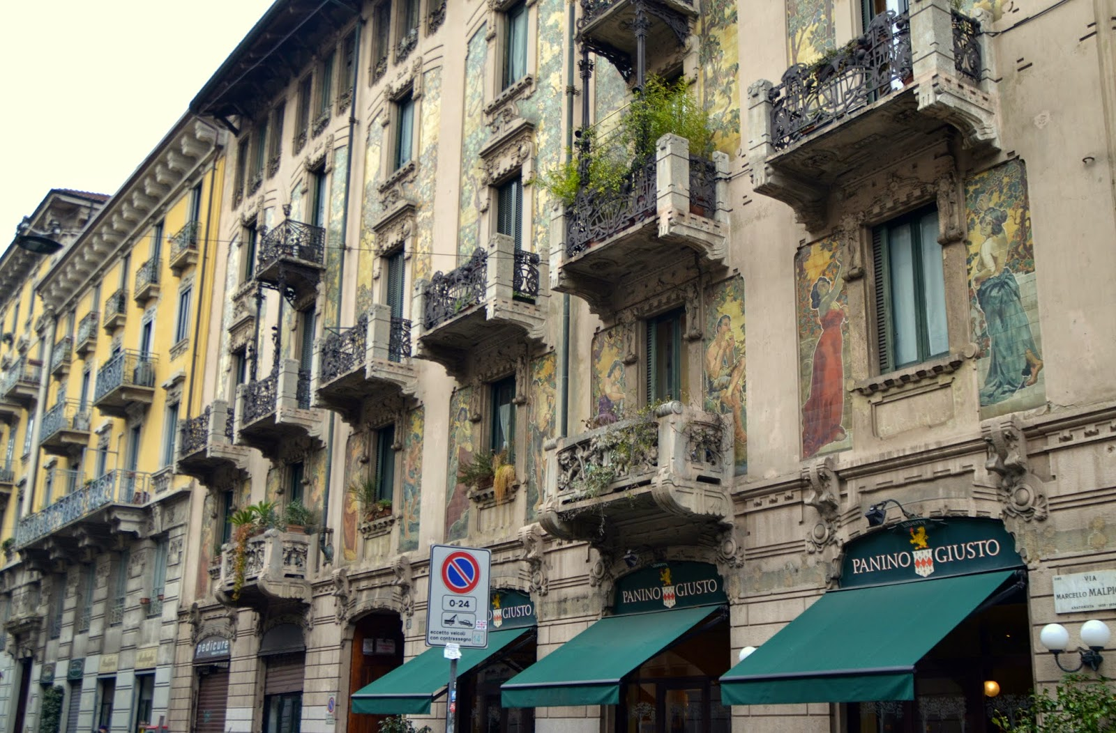 milan-houses-architecture-panino-gusto