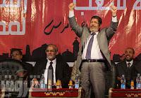 مرسي: قناة السويس حفرت بدماء المصريين وبيعها أو رهنها أمر مستحيل