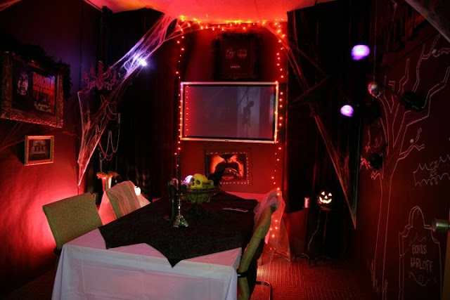 American Greetings Haunted Meeting Rooms, Halloween decorations
