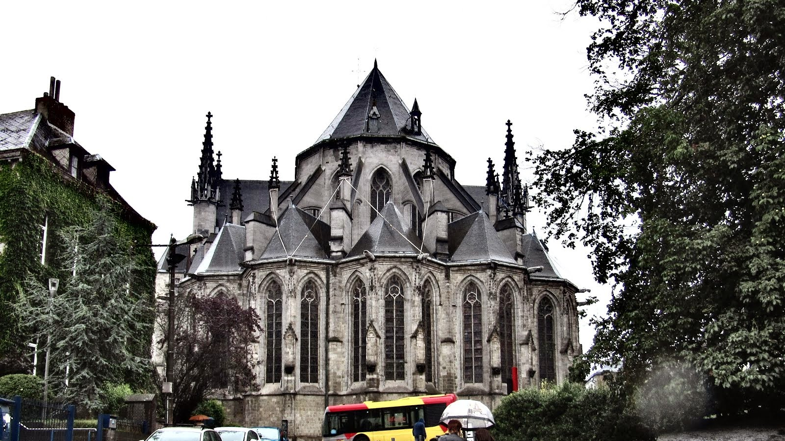 Kirche in MONS