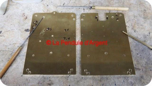 Production d'un mécanisme d'horloge, les platines et le rouage Platine12