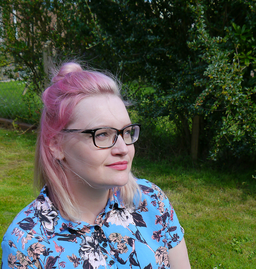 Scot Street Style,Scottish Blogger, pink hair, Kimberley, how to, top knot, pastel pink hair, at home