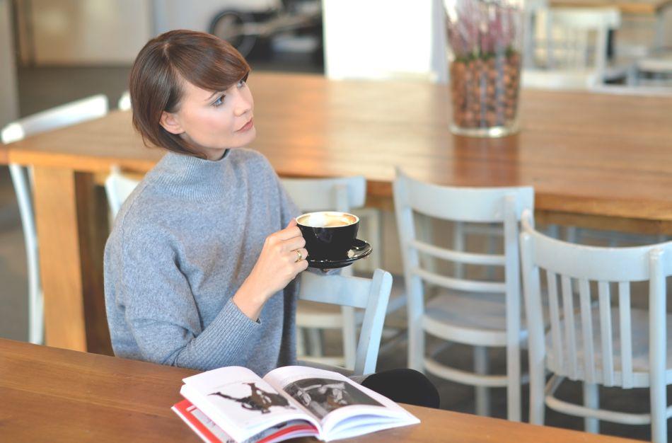 antkowiak | recenzja ksiazki antkowiak niegrzeczny chlopiec polskiej mody | kaszmirowy sweter hm | bal krakow | blogi o modzie | blog o modzie | blogerka modowa | popularny blog z krakowa
