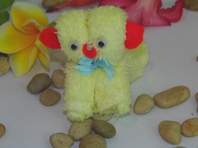 Cara Membuat Boneka Anjing Kecil dari Handuk