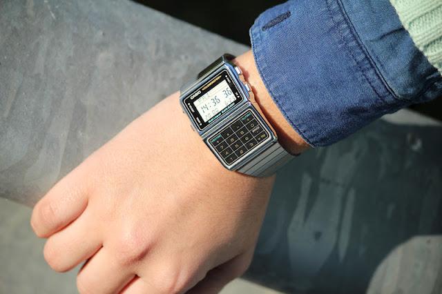 reloj-casio-calculadora-plata-como-combinar-tu-casio
