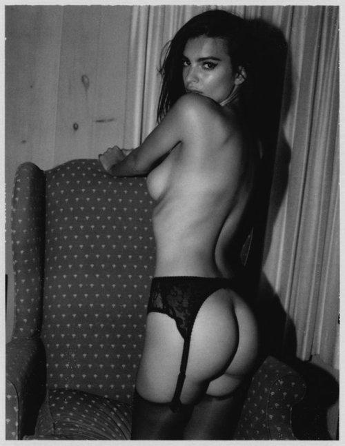 emily ratajwoski modelo sensual provocante morena pelada nua