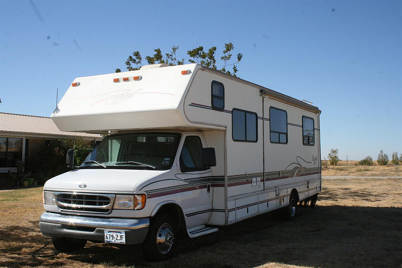 Motor home for sale 1999 30ft royal classic by glendale for Royal classic house