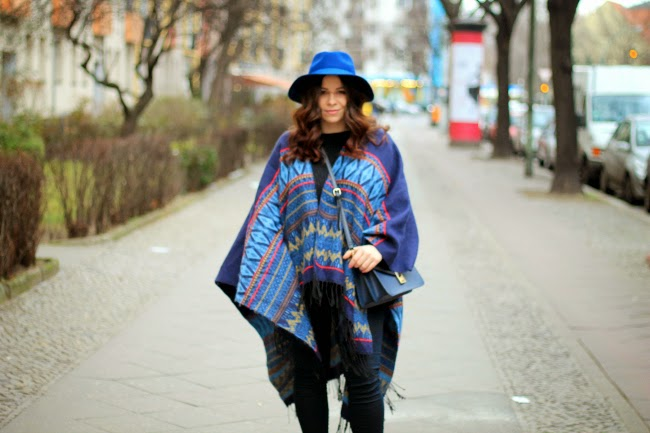outfit, blue vanilla, fashion, blue, poncho, cape, trends, laced up shoes, casual, effortless