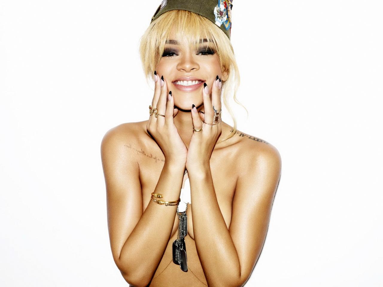 http://4.bp.blogspot.com/--yuYnAQJJAQ/UKyq7eXfAbI/AAAAAAAAD6c/7k_uVtz4q9k/s1600/Rihanna+New+Hot+HD+Wallpaper+2012-2013+05.jpg