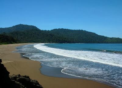Tempat Wisata Di Jember : Pantai Bandealit