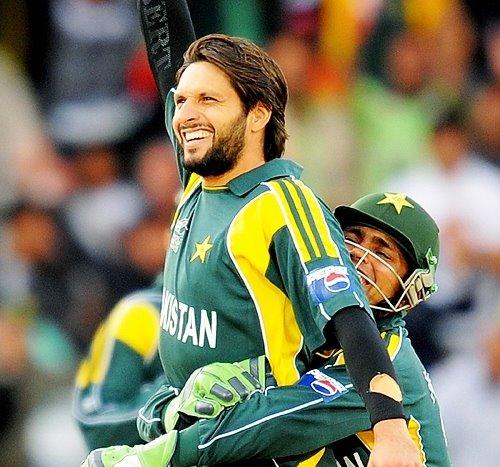 Wallpapers4frnds pakistan criket team - Pakistan cricket wallpapers hd ...