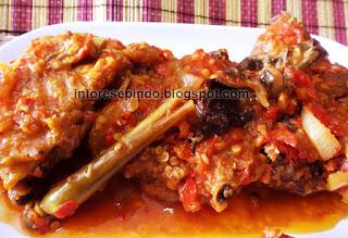 Resep Ayam Ungkep Goreng Balutan Kuah Pedas