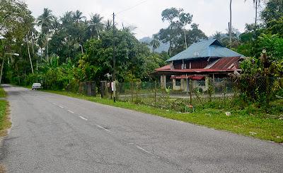 Lot Banglo Di Kampung Anwar Ibrahim Untuk Dijual !