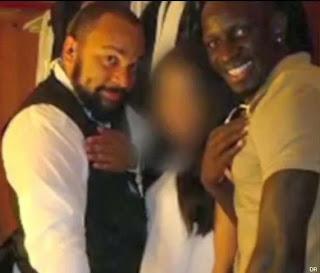 Mamadou Sakho fait la quenelle avec Dieudonné